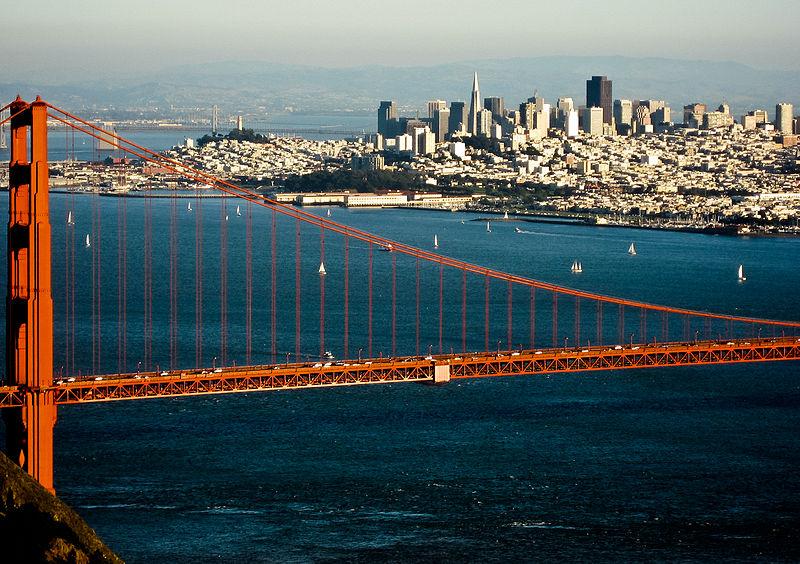 San Francisco prohíbe el agua embotellada en plástico